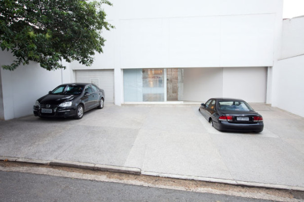 Parking Space, 2012Automobile and cement, 150 x 300 x 500 cm Photo: Everton Ballardin