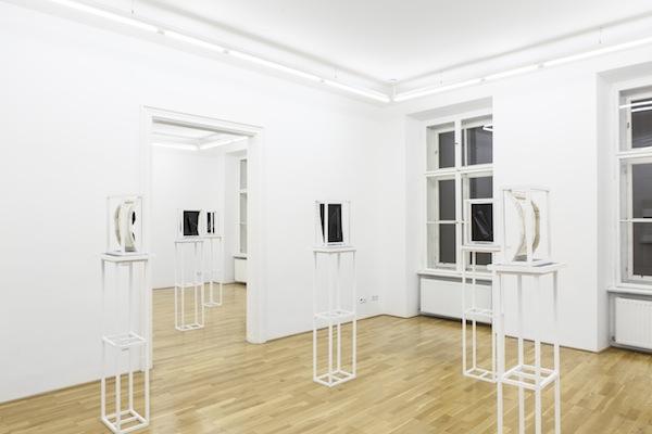 Florian Schmidt, Skip, Installation ViewGalerie Andres Huber, 2014